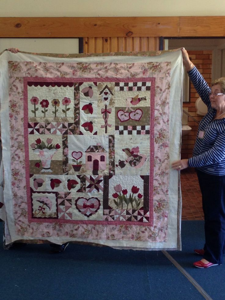 A very pretty quilt by Rae Everist.