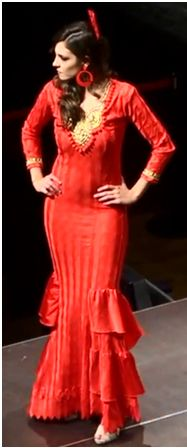 Precioso vestido flamenco de color rojo pasión.