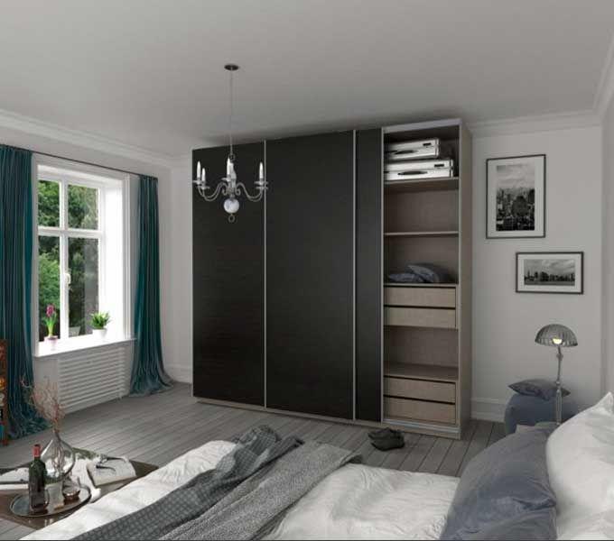 ¿Se puede tener un gran #armario en un dormitorio pequeño? Optimiza el espacio con armarios de puertas correderas ✅