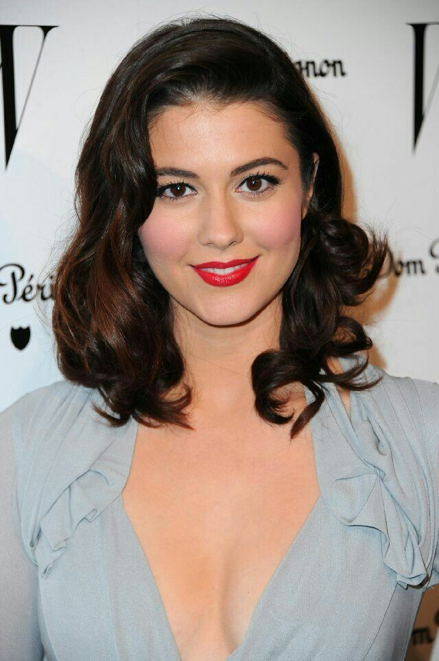 Mary Elizabeth Winstead DW