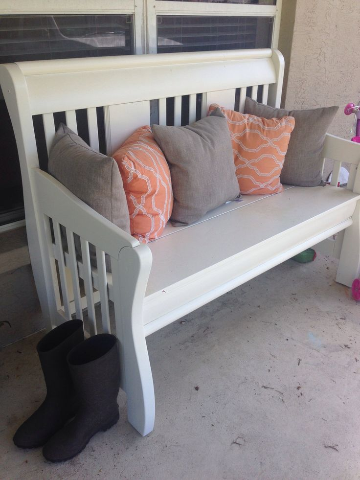 Finished!! Turn your crib into a bench.