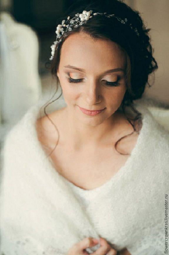 Купить Свадебный цветочный ободок из жемчуга и сваровски - украшения из жемчуга, украшение на свадьбу, для прически