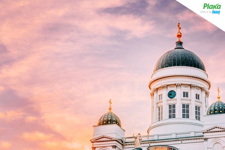 Un atardecer cualquiera en la Catedral de Helsinki, Finlandia.