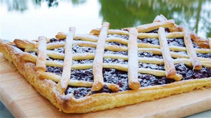 Maggie Beer's fruit mince slice for christmas.