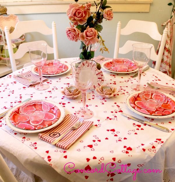 How To Make A Valentines Day Hearts Tablecloth