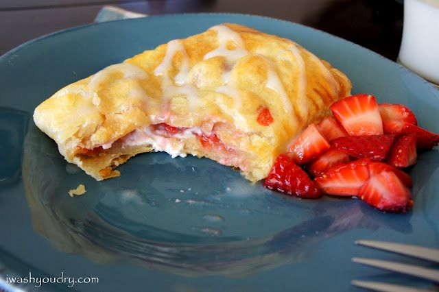 Strawberry and Cream Cheese Toaster Strudels http://www.iwashyoudry.com/2012/05/21/homemade-strawberry-and-cream-cheese-toaster-strudels/