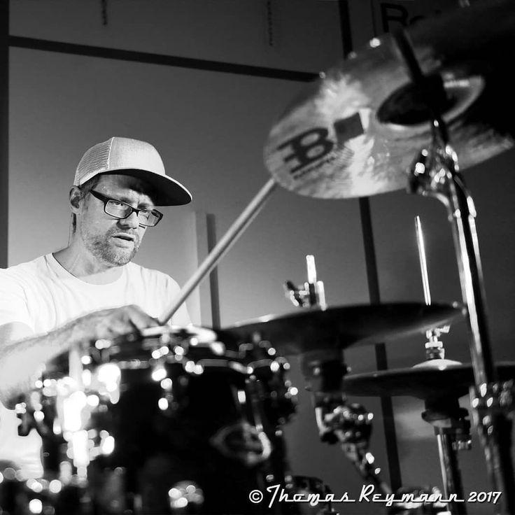 """Swagdrumming Workshop mit Jan """"Stix"""" Pfennig  #janstixpfennig #stix #swagdrumming #theswagjam #sido #workshop #drumworkshop #twodays #drums #drummer #drumclinic  #meinl #tama #hausmesse #messe #swag #justmusicberlin #justmusichamburg #justmusicdortmund #justmusicmünchen #allesfürmusiker #musicshop #musikgeschäft"""