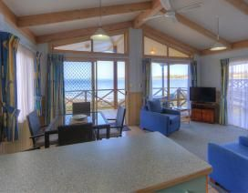 Do you prefer staying in a cabin or caravan? #big4batemansbay
