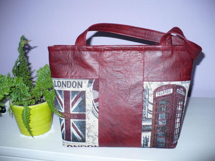 London themed handbag