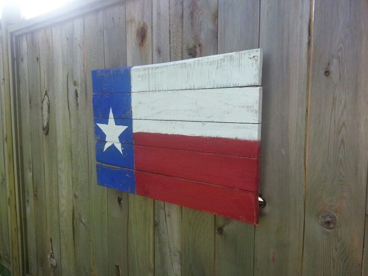 Texas flag from pallets