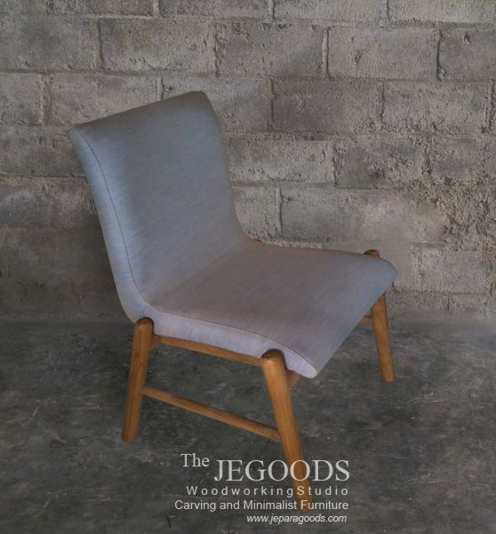 Scandinavian modern retro chair made of solid teak wood with kiln dried proceed by the Jepara Goods Woodworking Studio Indonesia.