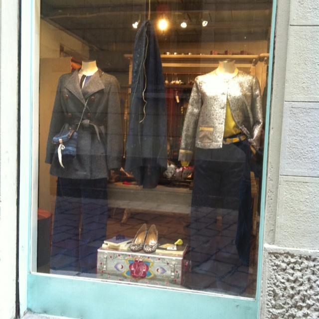 Descrivi il tuo pin...Carla Saibene Atelier: shop window