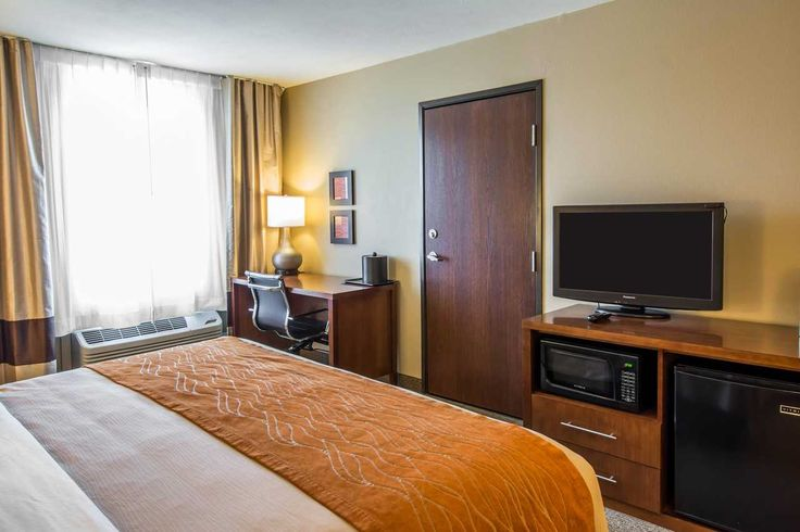 King room with 32-inch LCD television | Comfort Inn and Suites, Spokane Valley WA Hotels
