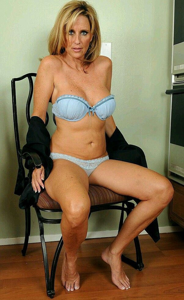 Hot pics of mature women
