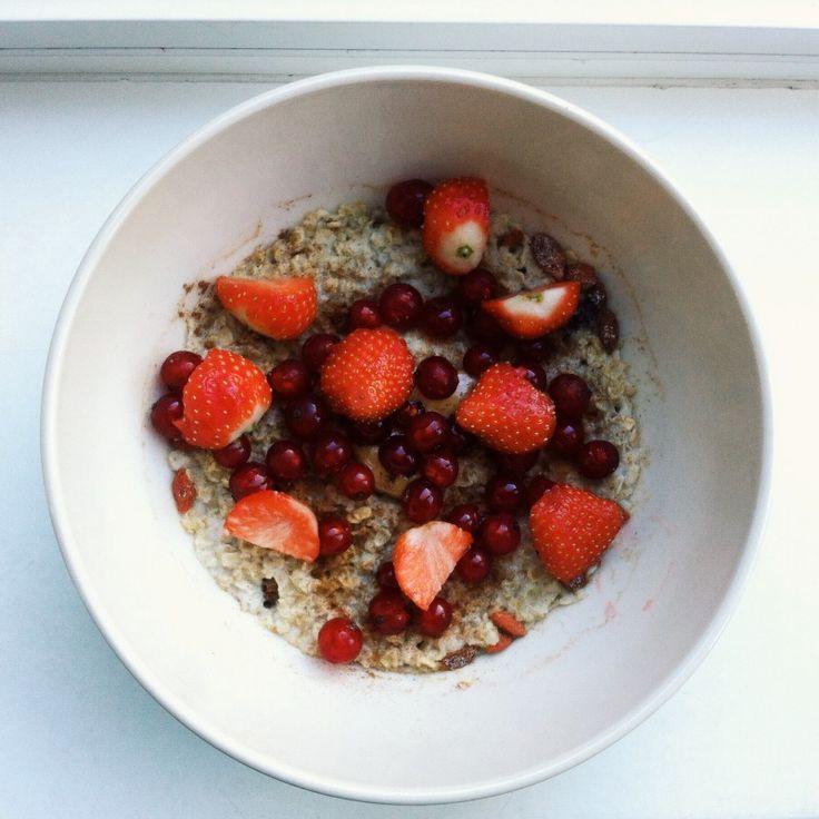 #lunch #oatmeal #fruit
