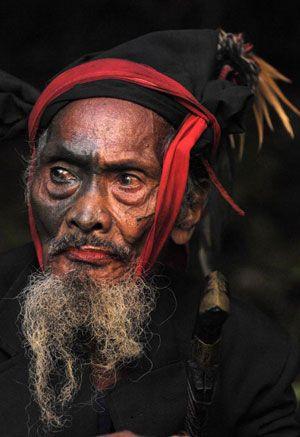 Sumba - prêtre merapu (ratu)