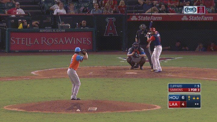 Los Angeles Angels Shortstop Andrelton Simmons hits a home run from his knees http://ift.tt/2vicLPb
