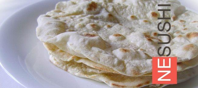 Тонкий лаваш на сковороде ========================= Тонкий лаваш без дрожжей на сковороде в домашних условиях — для приготовления массы аппетитных закусок.