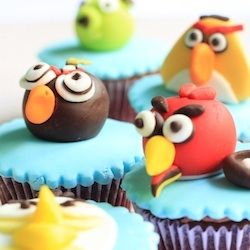 neat angry bird cupcakes