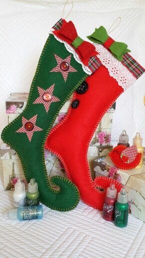 Botas de fieltro hechas a mano para Tachis by Karla Marenco. Recibe tu Navidad con estas botas para llenarlas de mucho amor y chuches!!!