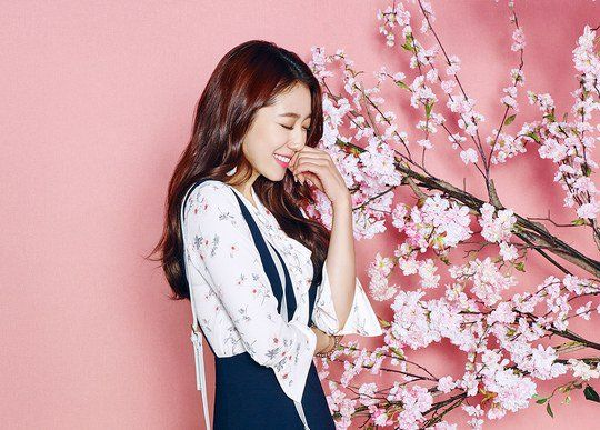 Actress Park Shin-hye showed off her slender body in a pictorial. Park Shin-hye's agency S.A.L.T Entertainment revealed the Roem Spring collection featuring Park Shin-hye.