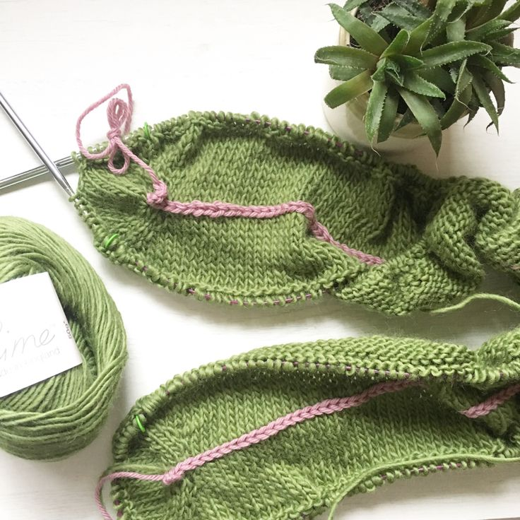 TeoMakes: Attaching a border to a scarf