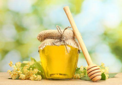 1/2 kg čerstvých lipových květů, 4 l vody, 4 lžičky kyseliny citronové, 2 a 1/2 kg cukru