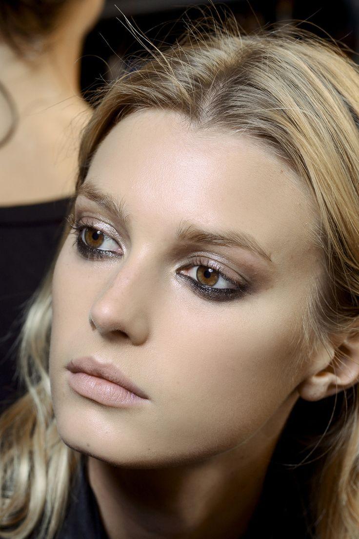 Las tendencias de beauty de primavera/ verano 2013: Lanvin : sutiles smokey eyes invertidos