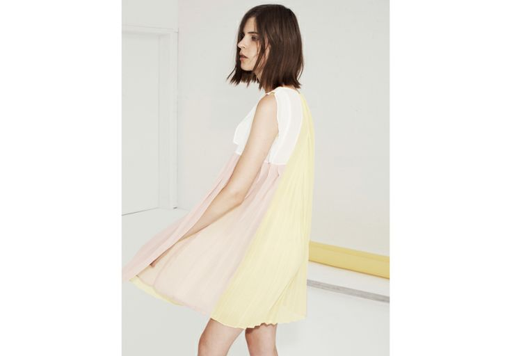 Pastel hues: from yellow to peach.