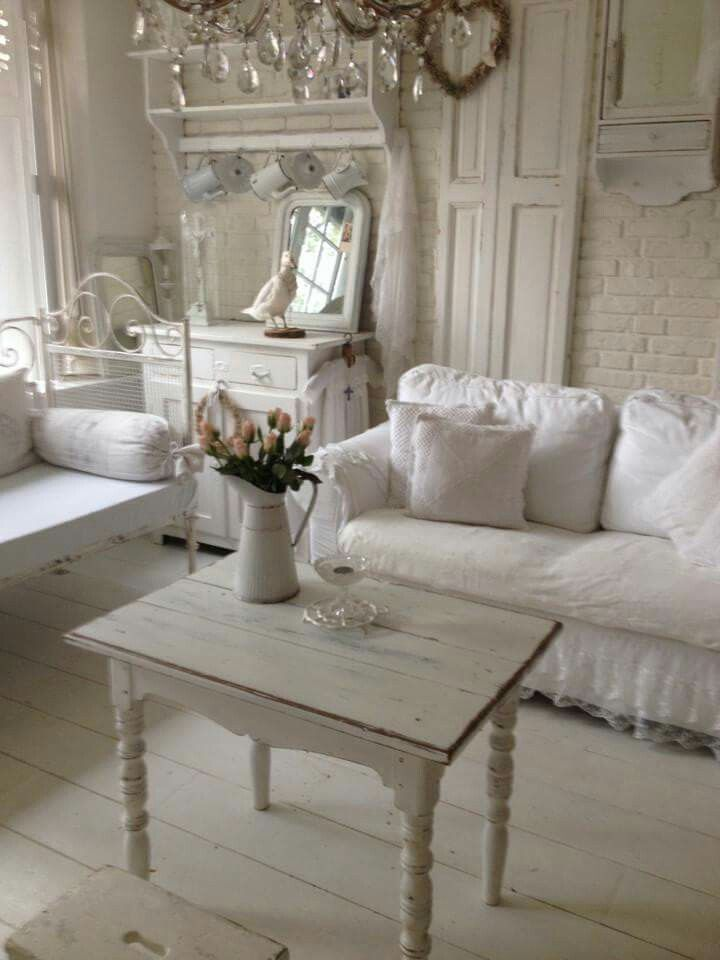 25 best ideas about romantic shabby chic on pinterest country style pink bathrooms shabby. Black Bedroom Furniture Sets. Home Design Ideas