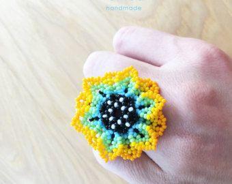 Hermosos anillos hechos a mano con chaquiras Arte Huichol