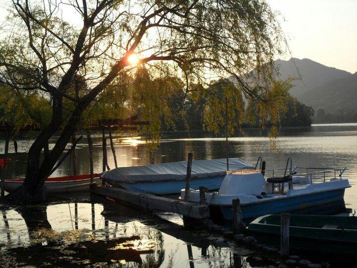 Alba a Revine Lago.