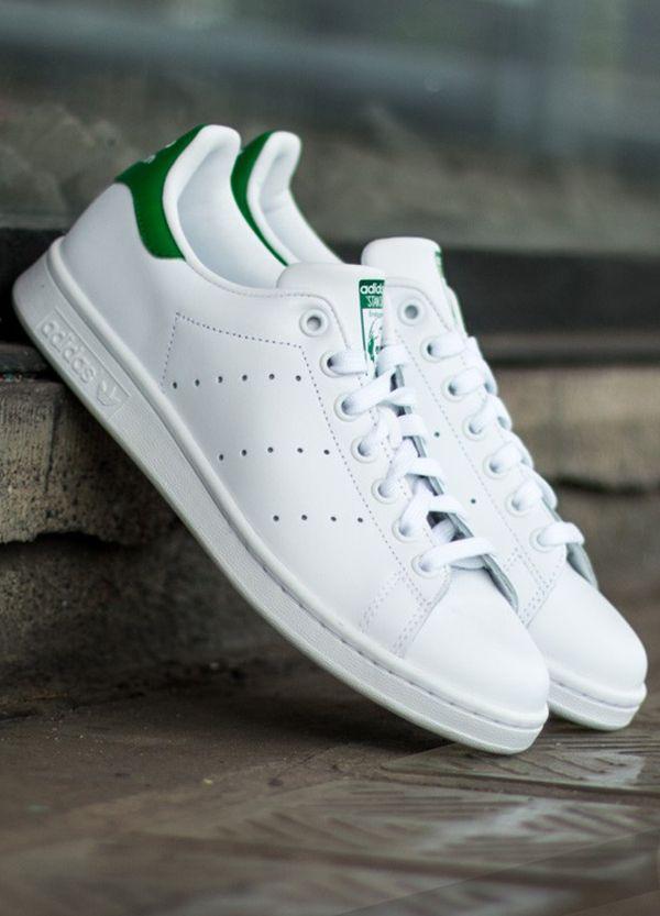 e7713ecbb929c Adidas Stan Smith branco e verde. | Timeless silhouette em 2019 ...
