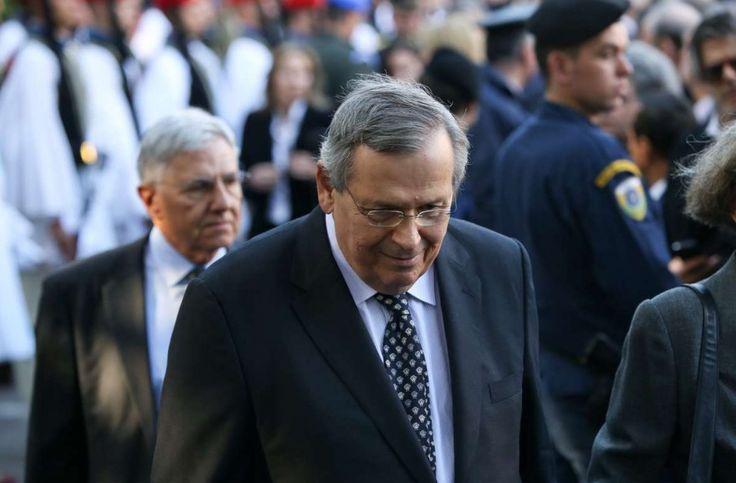 Γιατί ο Στέφανος Μάνος καλεί τον Πρόεδρο της Δημοκρατίας να παραιτηθεί