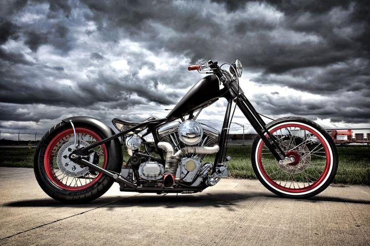 Cool old school chopper.