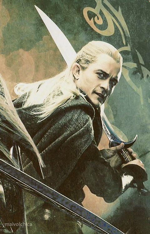 WAIT WAIT WAIT WAIT WAIT....LOOK AT THIS!!!!! LOOOOOOK AT THIS!!!! Legolas is holding Orcrist!!!!!!!! DO YOU KNOW WHAT THIS MEANS??? LEGGIE AND THORIN HAVE BECOME FRIENDS!!!!!