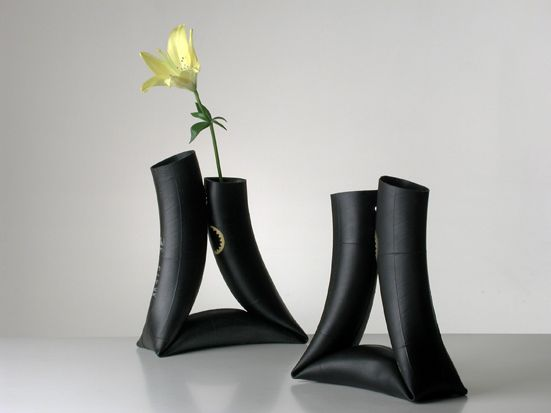 This innertube vase looks really simple and easy to make. If you make one, please let us know.