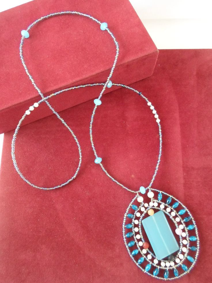 Handmade Agate and Crystal beaded Necklace