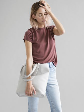 Everlane's New Catalog Is A Minimalist's Dream  #refinery29  http://www.refinery29.com/everlane-catalog#slide6  Can we just live in this look forever, please?
