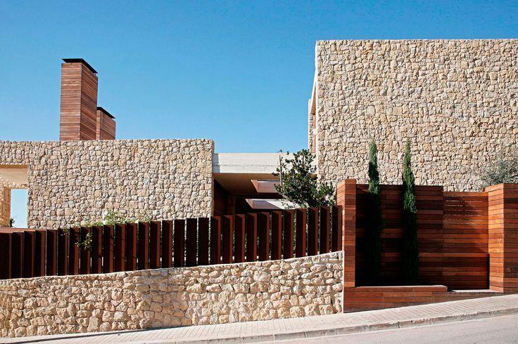 Monasterios House   Ramón Esteve Estudio