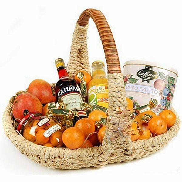 Подарки с доставкой на дом Киров | Заказать и доставить подарочную корзину из фруктов, сладостей или деликатесов в город Киров