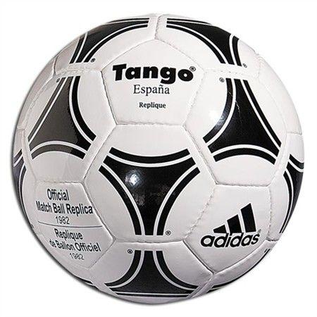 8e2516bd10fb7 Historia y evolución de los balones de fútbol. - Espinilleras personalizadas