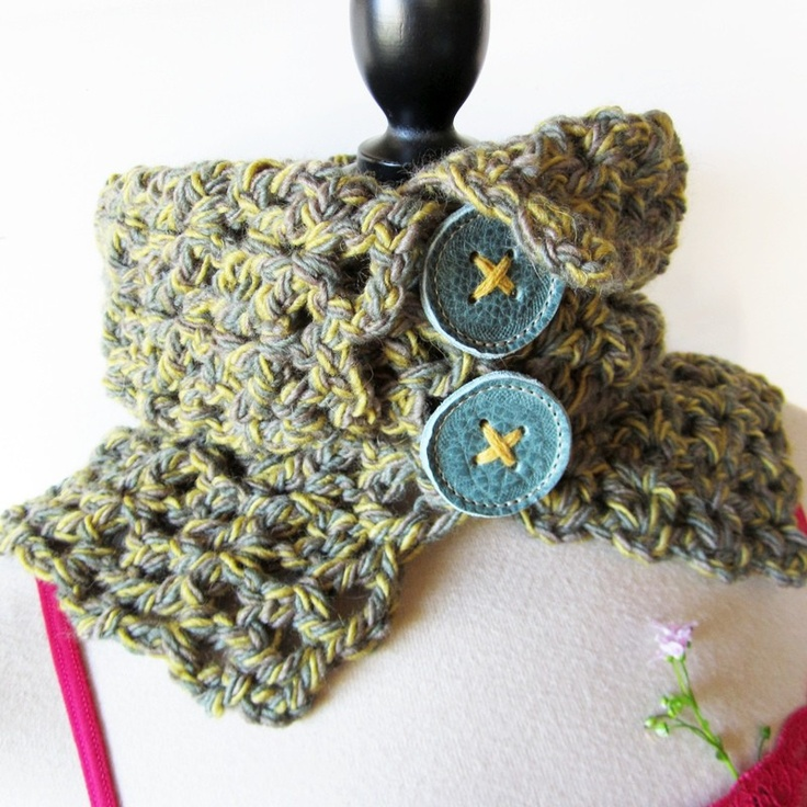 TILLY Big Crochet Cowl, in Green tweed Pure Wool. 1961