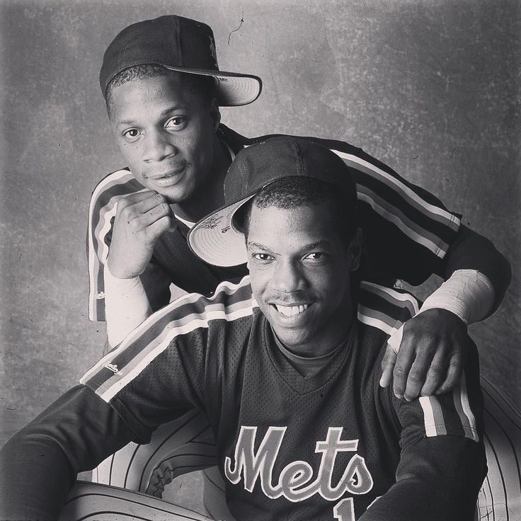 """Walter Iooss: """"Who says we don't love each other.  Dwight Gooden and Darryl Strawberry at their peak. 1986, taken in Shea Stadium for @sportsillustrated""""  #NewYorkMets"""