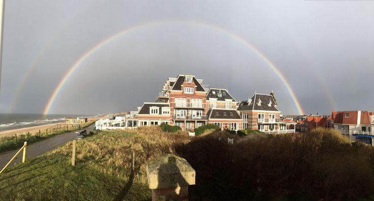 Regenboog over Badpaviljoen