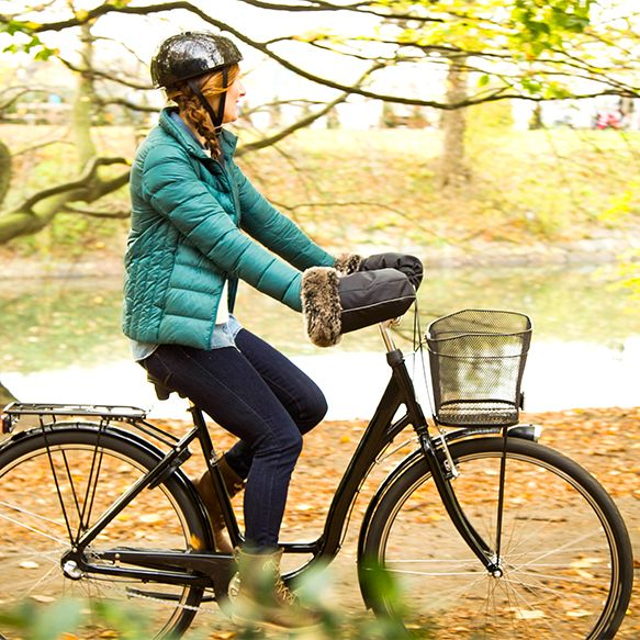 Warm and cozy bicycle gloves for those chilly autumn rides.