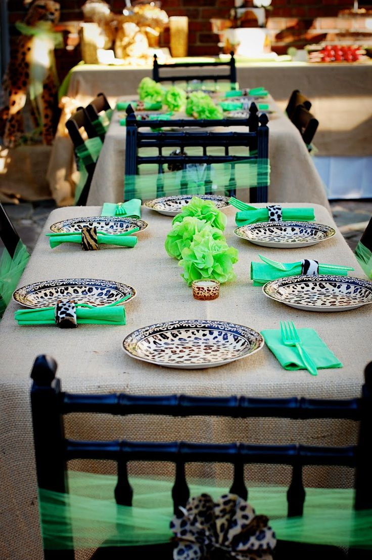 A Cheetah Party: Animal prints tablescape