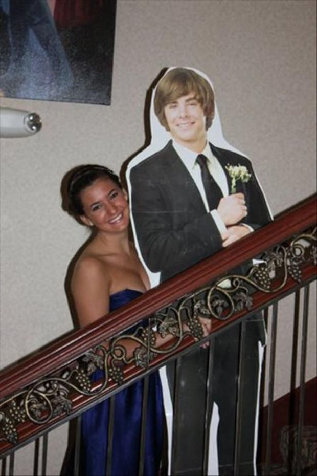 Funny Prom Pictures – 52 Pics hahaha since we won't have dates @Aubrie Robinson Robinson Robinson Robinson Robinson Knezevich