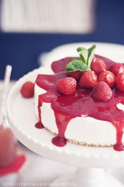 butiksofie: strawberry coconut cake