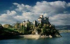 Castle in Niedzica - Poland Bing Imagens